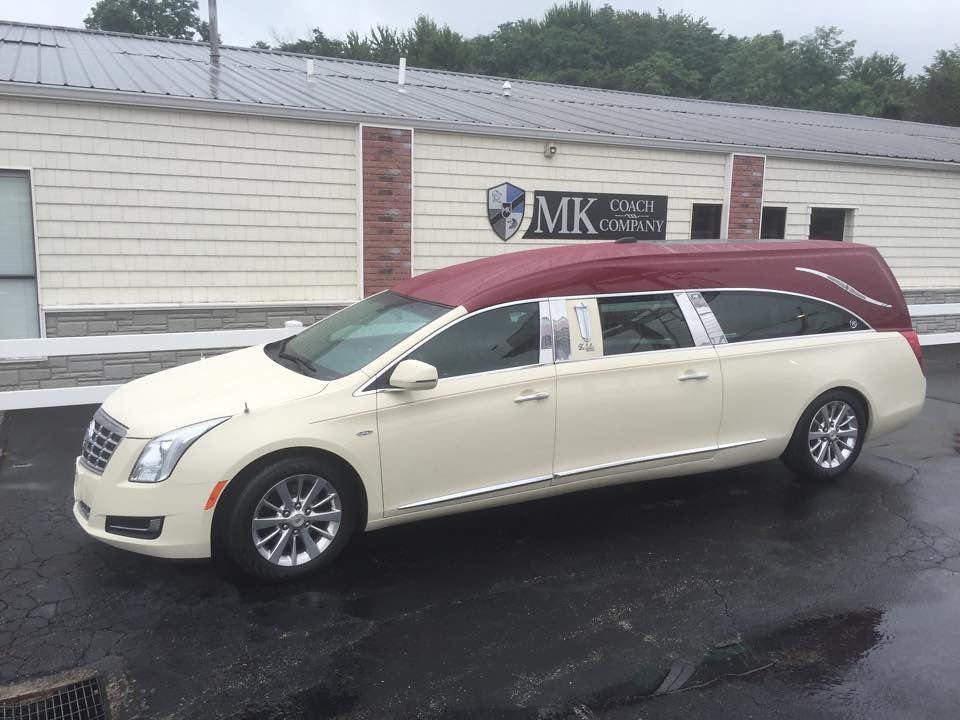 Cadillac Xts Hearse The Echelon Funeral Coach By Eagle