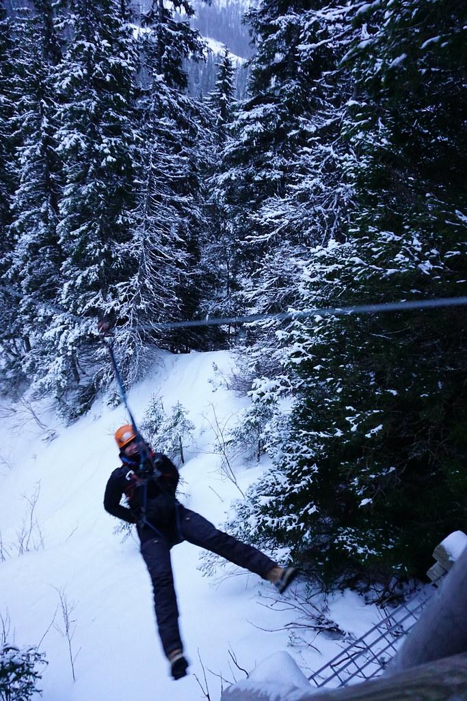 Frittfall och ut över berget - zipline åre