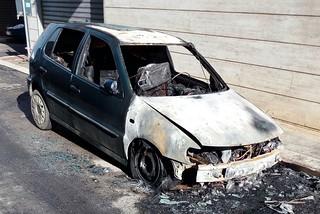 Noicattaro. Auto incendiata front