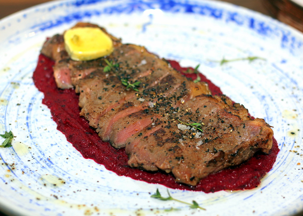 brothers-in-fine-food-medium-rare-steak