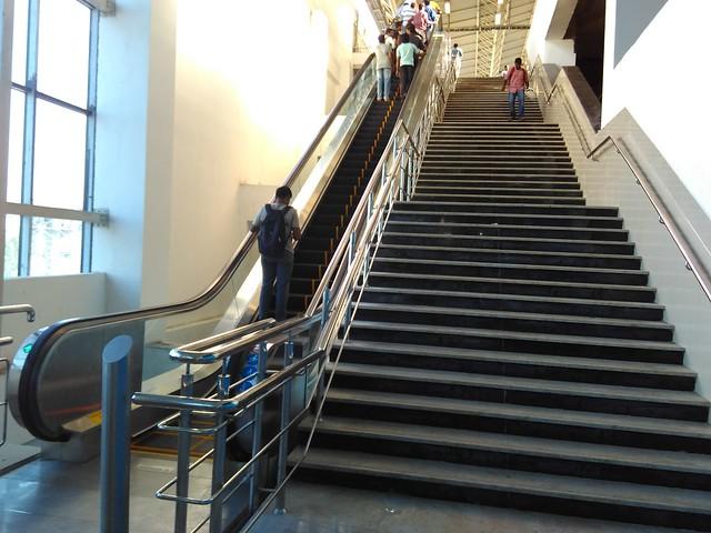 Chennai-Metro-Escalator-and-Steps-Alandur-Station