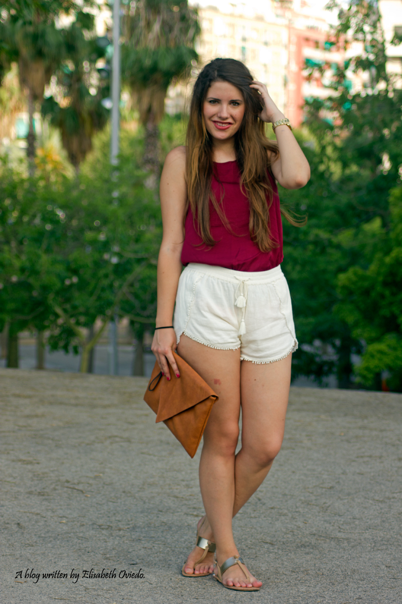 shorts blancos camiseta burgundy clutch pull and bear stradivarius HEELSANDROSES (6)