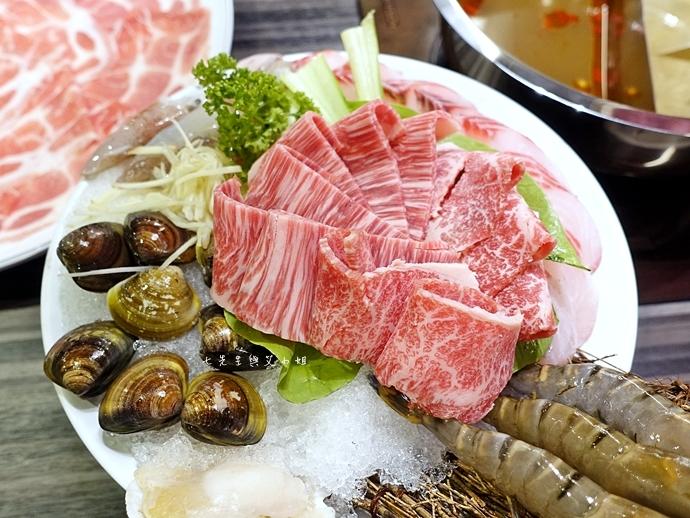 30 丰明殿 信義殿 超大肉盤 涮涮鍋 痛風海鮮盤