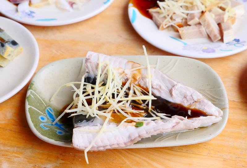 32199881851 312194e891 c - 小林雞肉飯:天天午晚餐客滿排隊 招標虱目魚魚肚丸湯好吃必點!