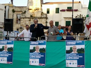 Michele Emiliano a Casamassima per Vito Cessa sindaco