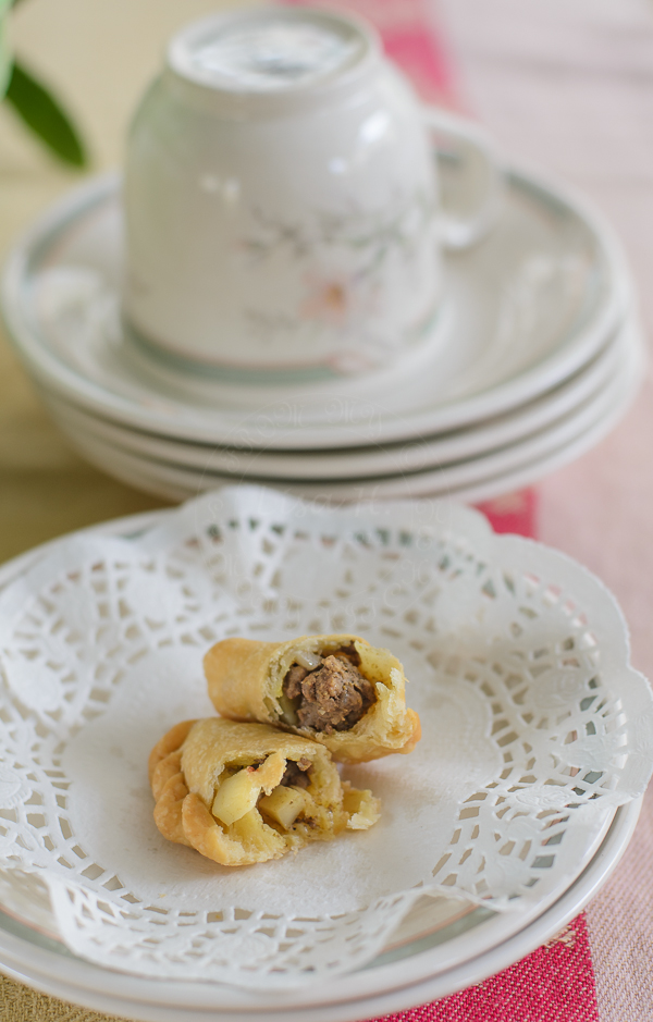 Golden delicious Beef Curry Puff
