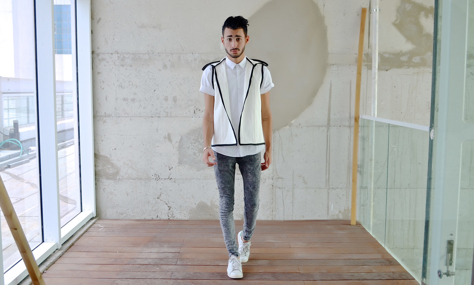 FUTURISTIC VEST – BY ANDY