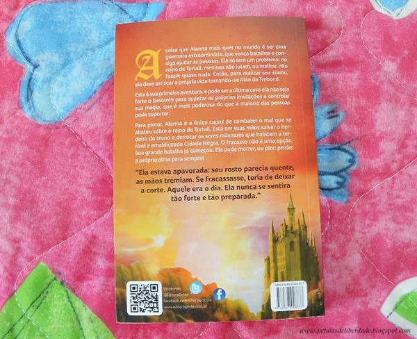 Contracapa do livro A canção de Alanna, Tamora Pierce