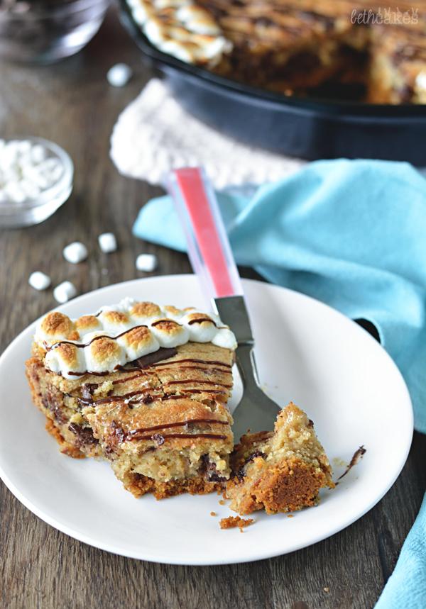 S'mores Skillet Cookie! bethcakes.com