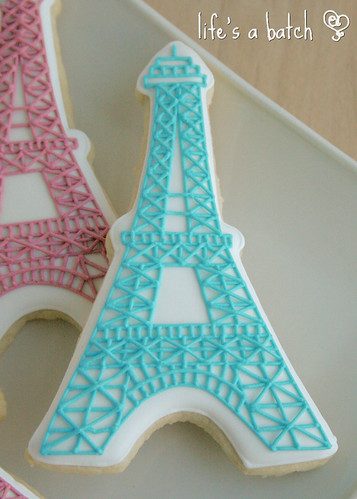 Colored Eiffel Tower cookies.