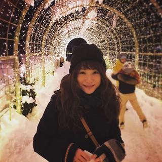 夜。雪。光。綺麗だった。澄んだ空気は深々と。心から笑ってた。楽しそうに笑ってた。うたかたのファンタジーは束の間、あたしを少女に戻す。