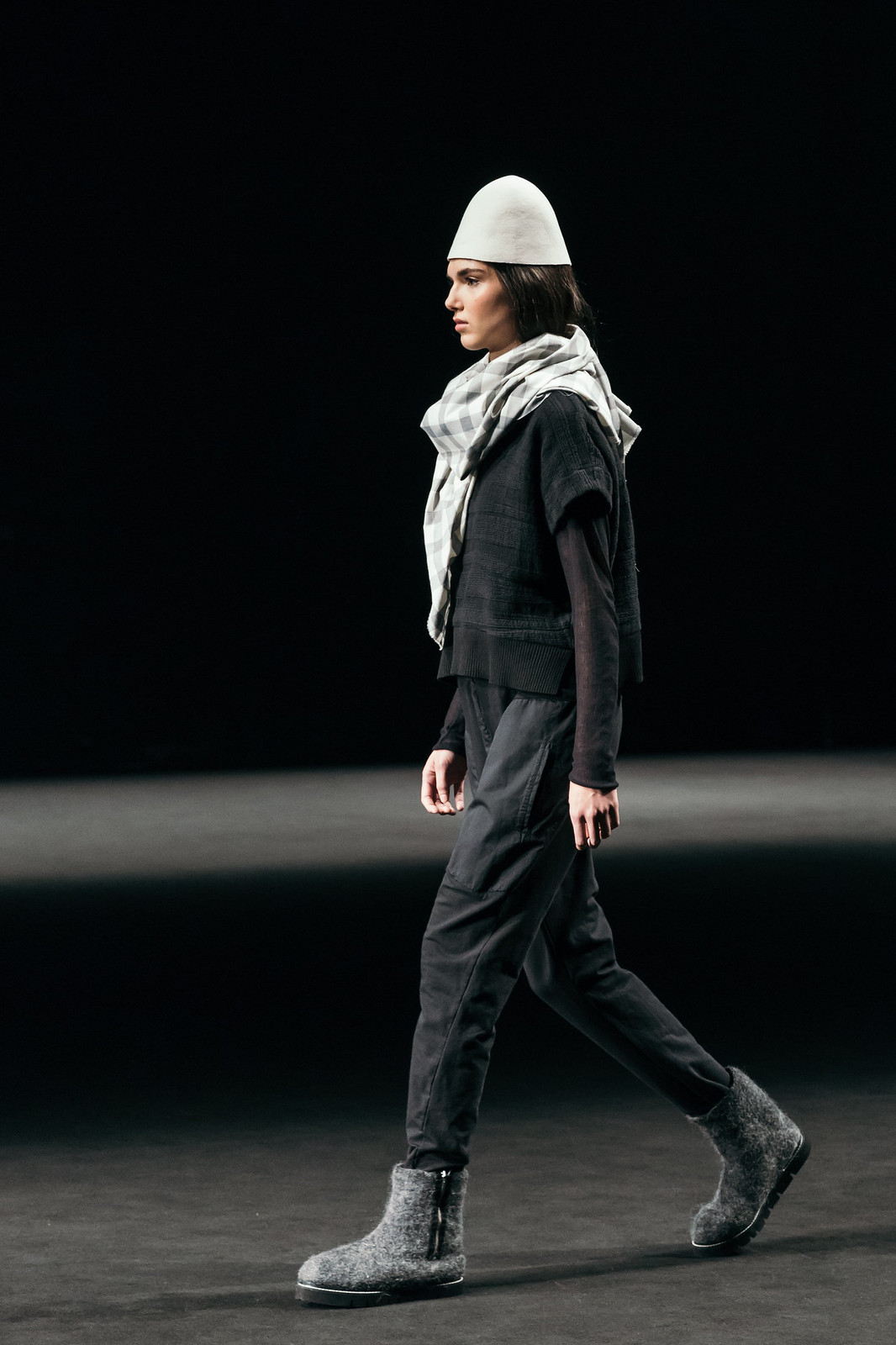 Jessie Chanes - Seams for a desire - 080 Bacelona Fashion #080bcnfasion -23