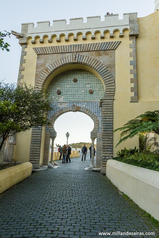 Puerta de acceso al Palacio da Pena