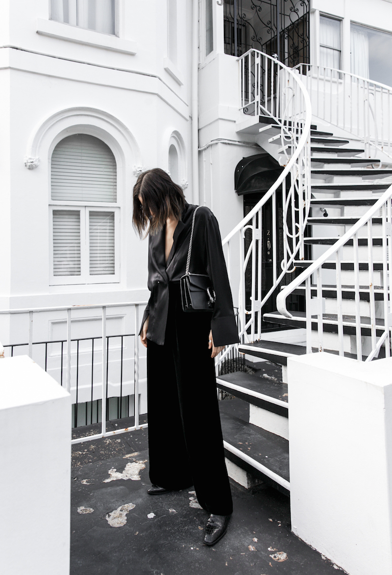 minimal all black outfit street style blogger modern legacy pyjama dressing Gucci dionysus leather bag (4 of 8)