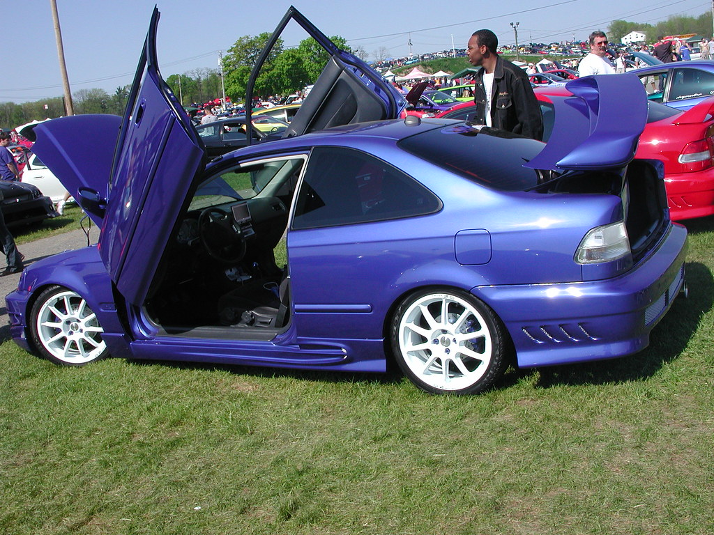 Blue Honda Civic | Blue Honda Civic with gullwing doors and … | Flickr