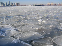 Ice on the Hudson River at about 10th Street | by jimn