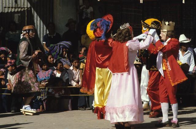 Weirdness in, San Francisco el Alto, Guatemala, 82 | by Marcelo  Montecino