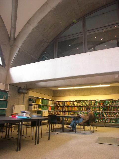 Ecole d 39 architecture de lyon biblioth que vaulx en veli for Z architecture lyon