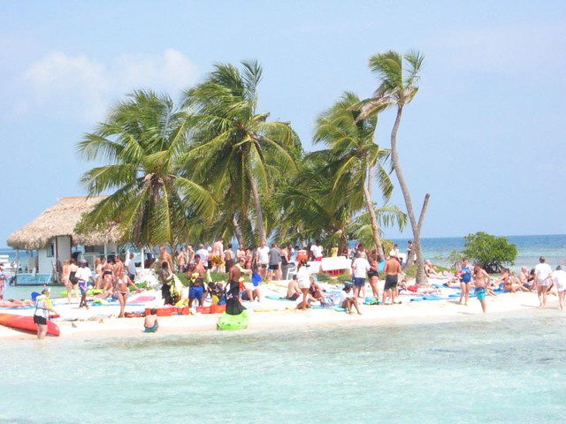 Rendezvous Caye Rendezvous Caye In Belize A Great