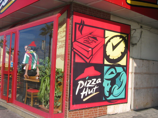 globalization pizza hut This statistic shows the number of pizza hut restaurants worldwide from 2010 to 2017 there were 16,748 pizza hut restaurants worldwide in 2017.
