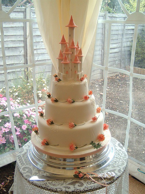 hamilton wedding cakes castle wedding cake taken from a design by 15064