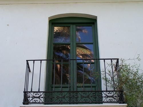 La huerta de san vicente por las ramas de un laurel van for Huerta de san vicente muebles