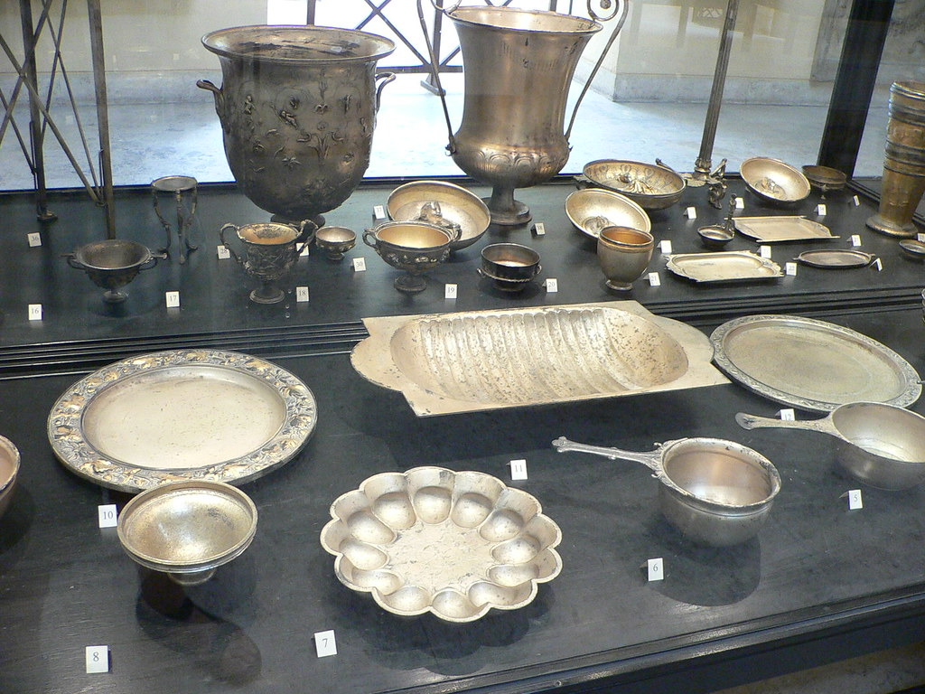 Ancient Roman Tableware | Dishes, plates, serving platters ...