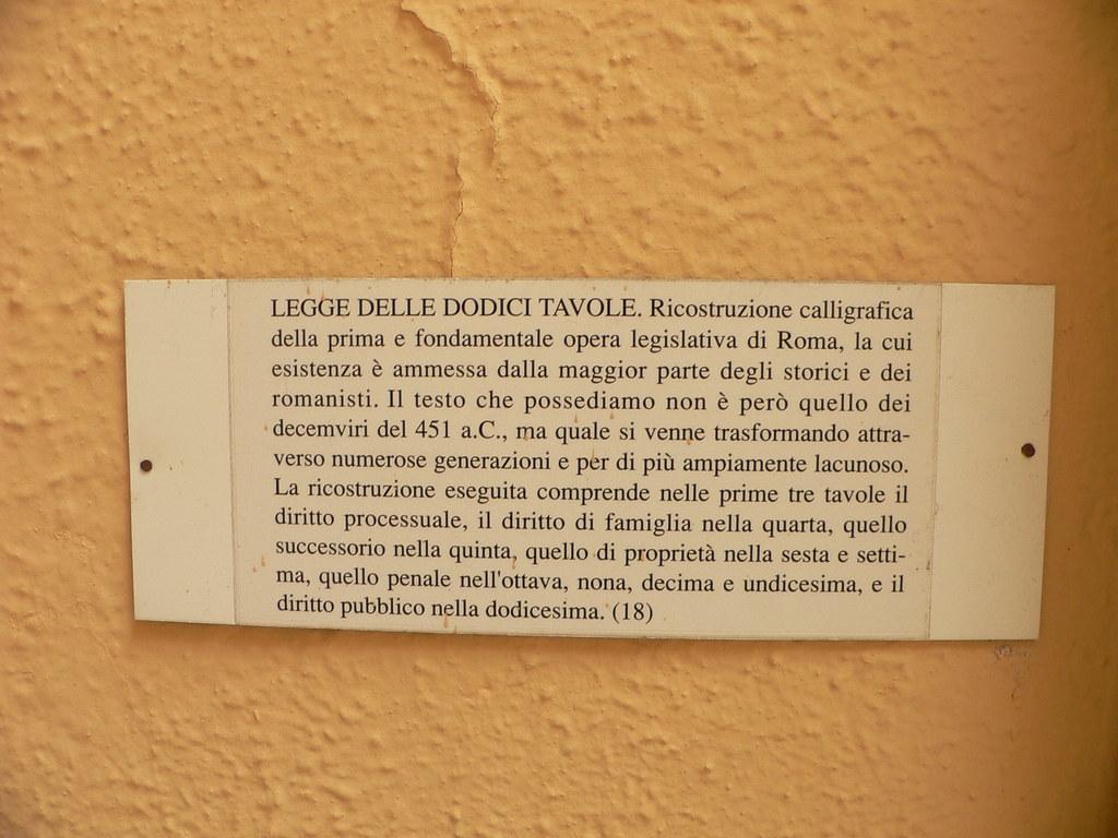 Twelve tables caption in italian legge delle dodici tavo flickr - Legge delle 12 tavole ...