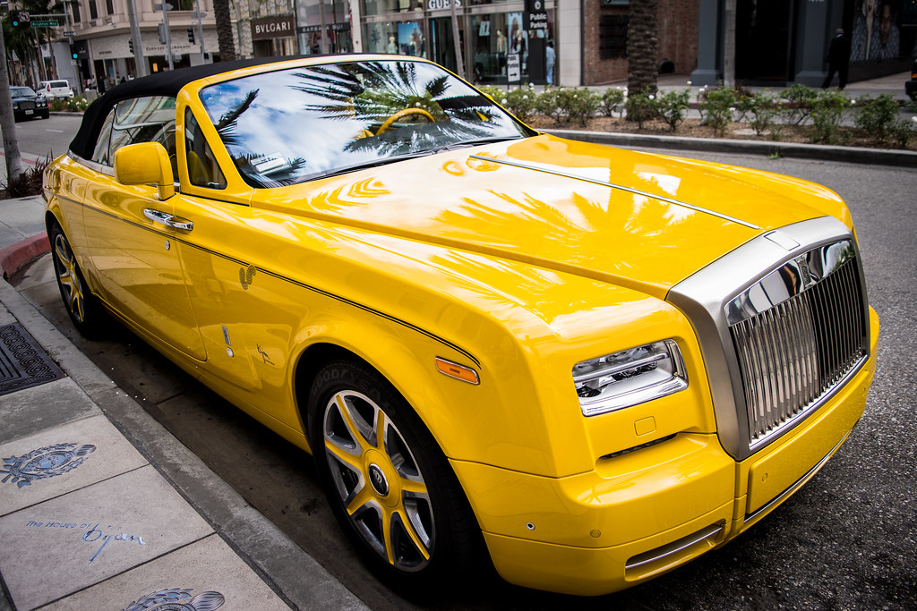Of Course There S A Canary Yellow Rolls Royce On Rodeo Dri Flickr