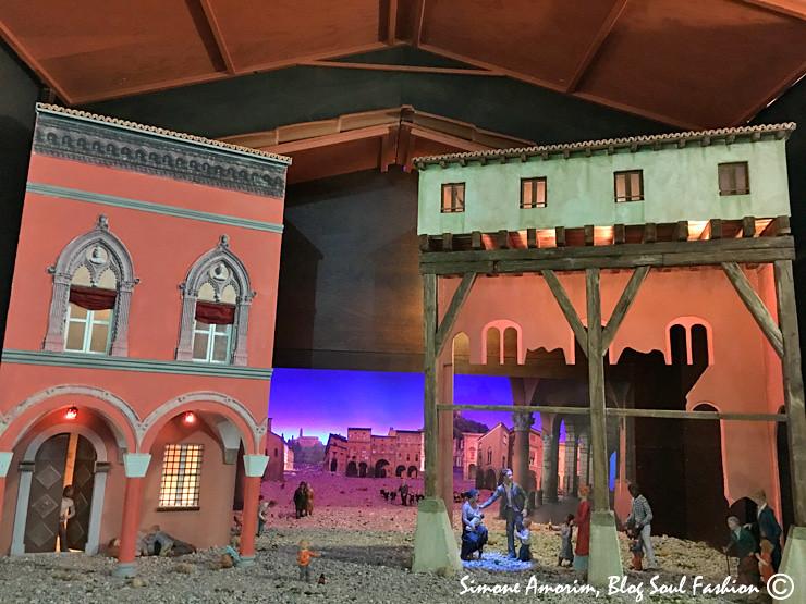 E perto dali fui conferir o lindo presépio da Corte Isolani com miniaturas de alguns dos mais lindos palácios de Bolonha.