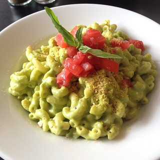 Pesto mac at Blossuming Lotus in PDX
