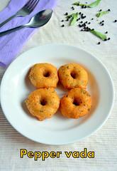 Urad dal vada with pepper