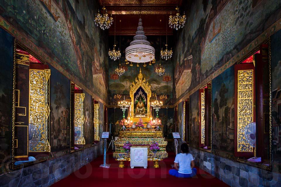 Wat Pathum Wanaram @ Bangkok, Thailand