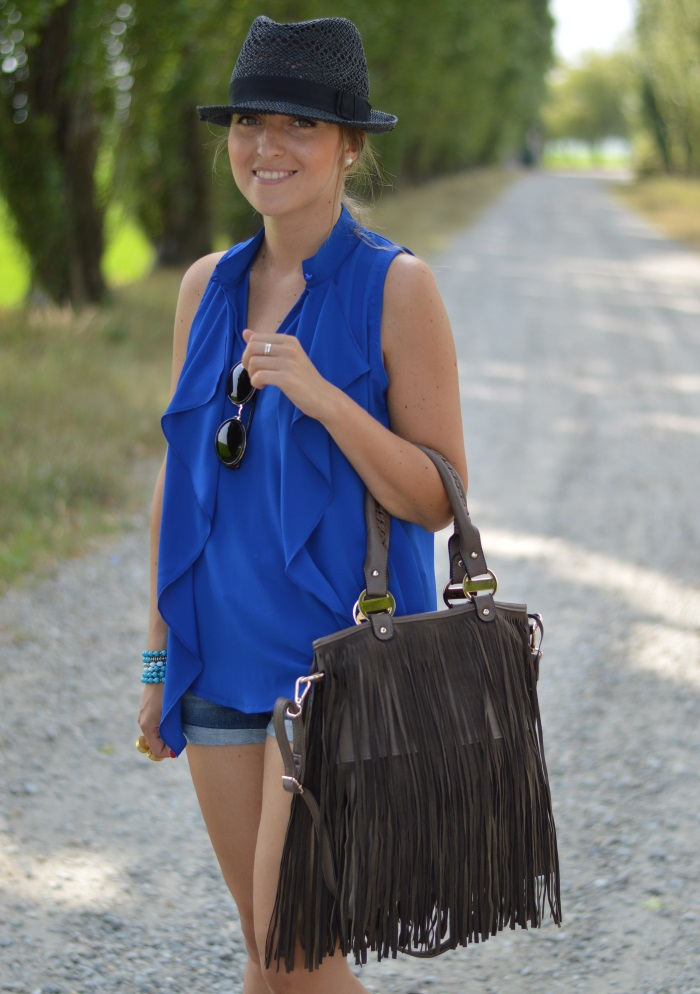 blue, wildflower girl, fashion blog, mamared bag, shorts (4)
