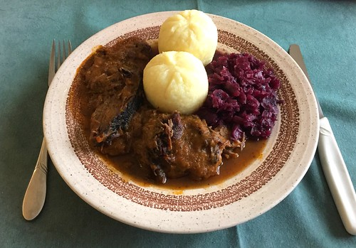 Marinated beef roast with red cabbage & dumplings / Sauerbraten mit Rotkraut & Klößen