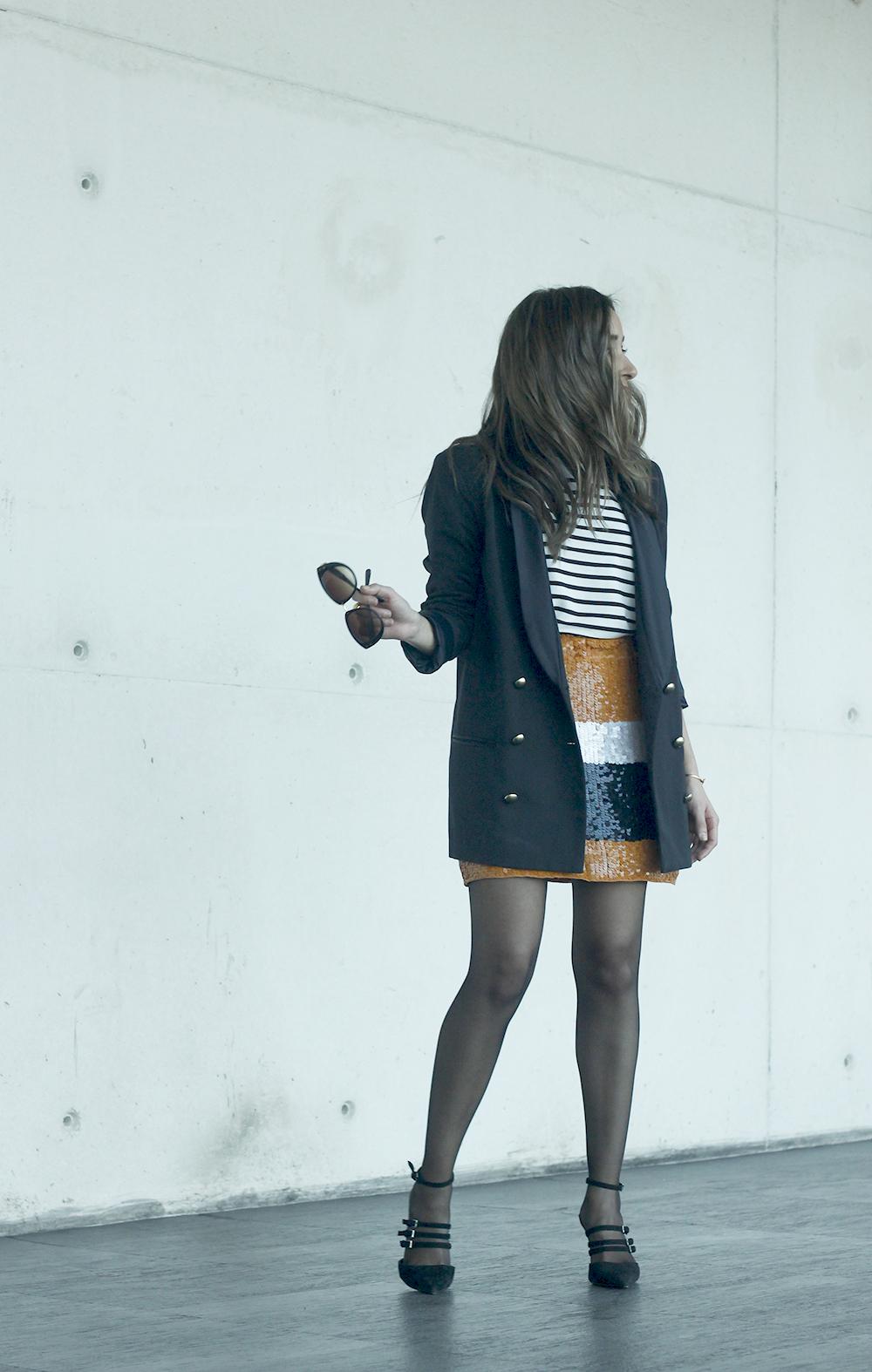 Striped T-Shirt Sequin skirt black blazer madrid fashion week street style fashion outfit04.jpg06