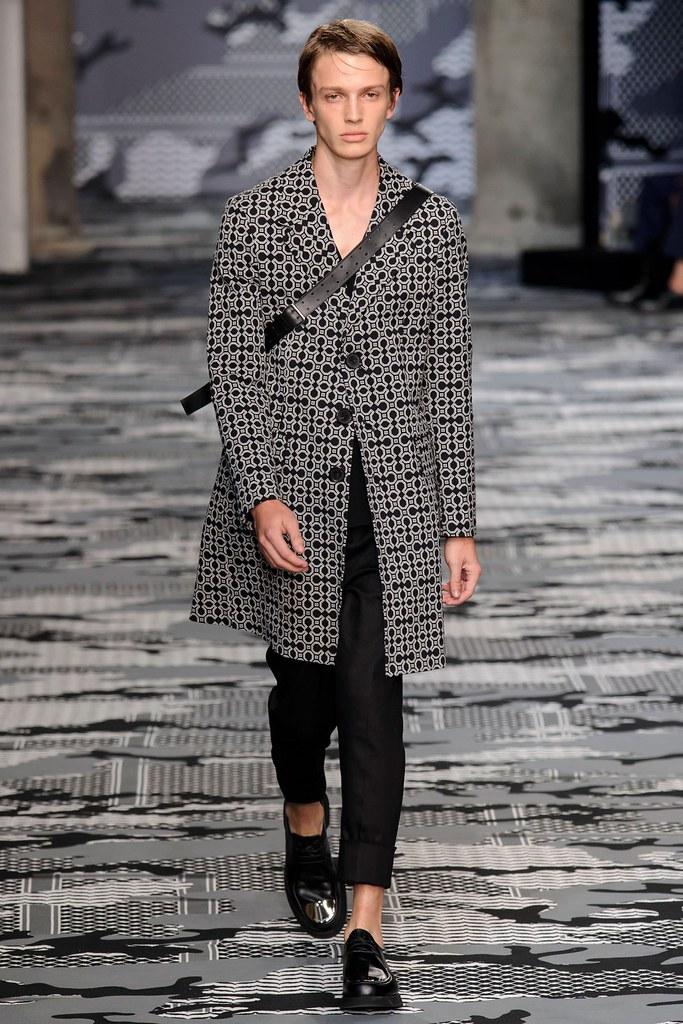 SS16 Milan Neil Barrett025_Lucas Jayden Satherley(fashionising.com)