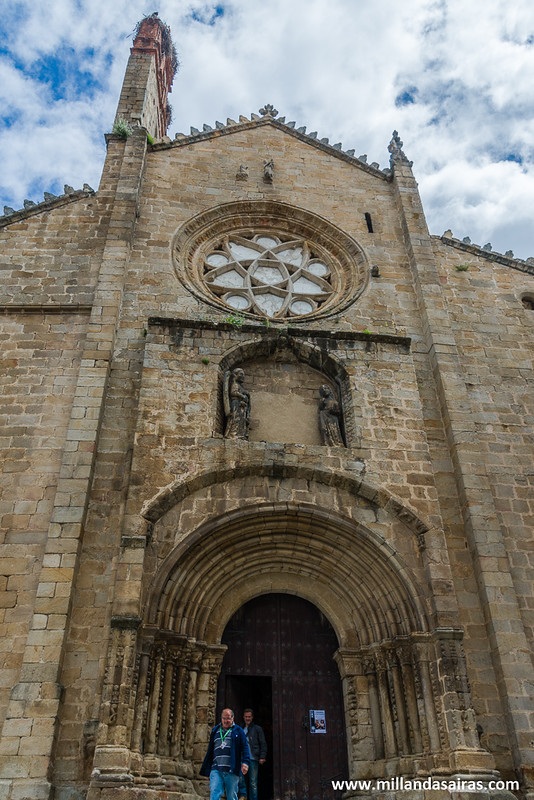 Entrada de la catedral vieja de Plasencia