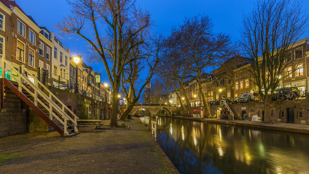 Blue Hour in Utrecht   Zie ook mijn : Utrecht set. © 2017 Wi…   Flickr