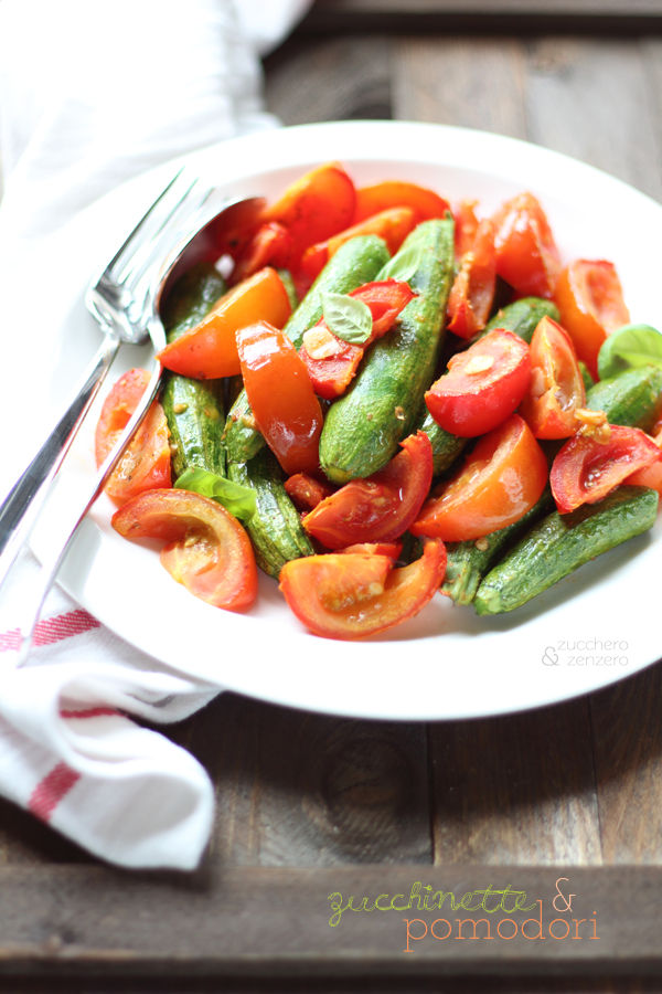 Zucchinette e pomodori arrostiti