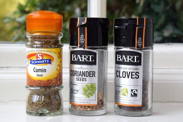 Whole Spice for Grinding   www.rachelphipps.com @rachelphipps