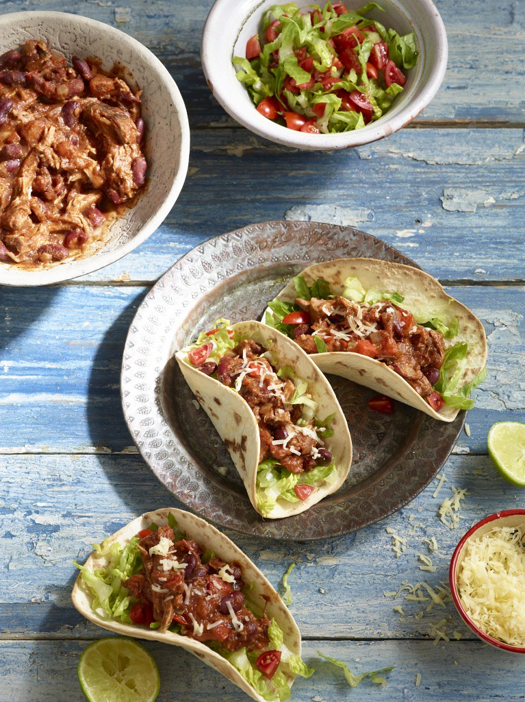 Slow Cooker Pulled Pork Chilli Con Carne | Try our mouth ...
