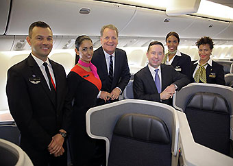 American Qantas Crews on B777-300ER (American Airlines)