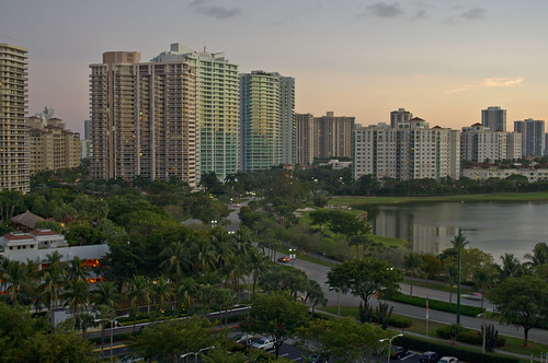 Attirant Aventura Covers Just Less Than 4 Square Miles Of Florida Land But Hosts  Close To 3,000 Different Businesses, With The Largest Economic Sectors  Including ...