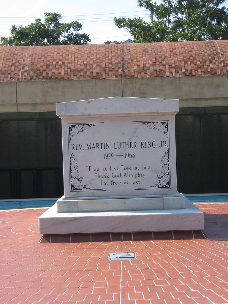 Dr Martin Luther King Gravesite At The Martin Luther King Flickr