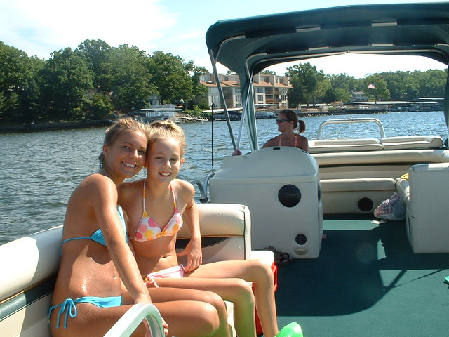 Woody Girls On Pontoon Lake Of The Ozarks A Fine Day