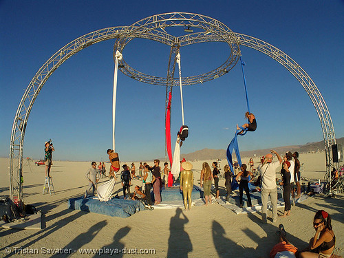 2971-burning-man-2005 - Aerial Acrobatics | by loupiote (Old Skool) pro