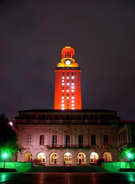 Ut Tower 50 The Ut Tower Lights Up With A 50