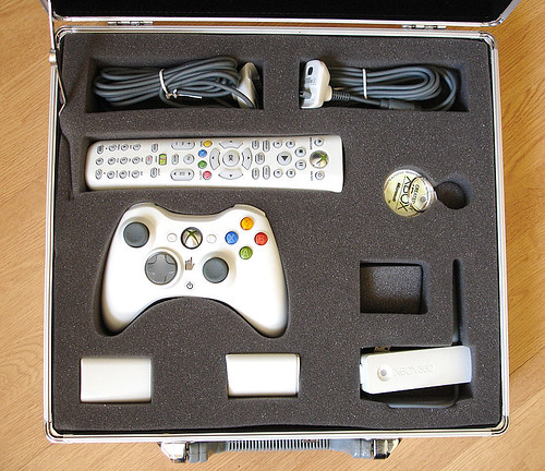 Xbox 360 Accessories Nice Kit Of Parts In A Silver Briefca Alfred Hermida Flickr