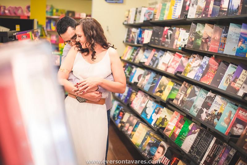 Patricia-e-Marcos-pré-wedding-livraria-por-Everson-Tavares-9466
